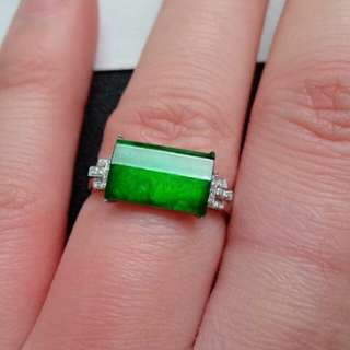🍀18K White Gold - Grade A Icy Spicy Green Rectangle/Saddle Jadeite Jade Ring🎇