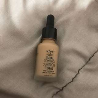NYX - Total Control Drop Foundation in Buff Chamois