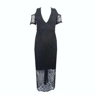 PRETTYLITTLETHING Cold Shoulder Lace Dress