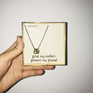 [ mother's ] related necklace