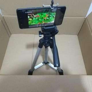 Aluminum Tripod for smartphones / cameras.