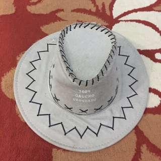Topi koboi / Topi kuda / Topi pantai