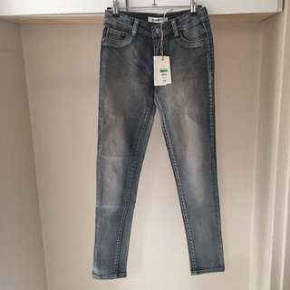 BREAKERS Grey Wash Jeans