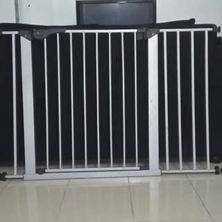 Imported Safety Gate with Extension