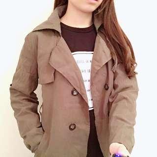 [二手外套]墨綠薄外套(可扣、有口袋)
