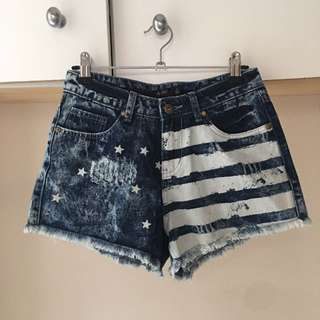 CHICABOOTI Flag Print Shorts