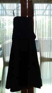 Dress pesta hitam