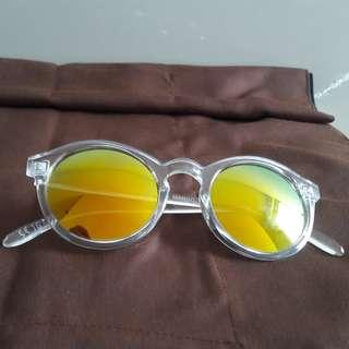 Kacamata Sunglass Mango