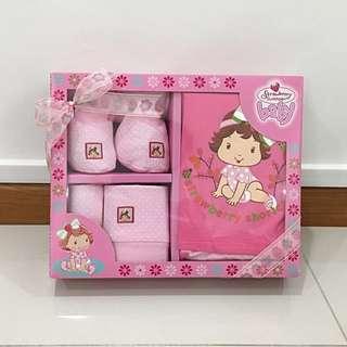 Strawberry Shortcake baby apparel set