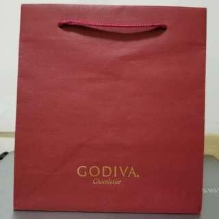 Godiva red paper bag, size: 20cm x 22cm x 14cm