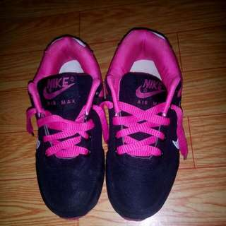 Rubber Shoes For Kids Color Pink & Black 👌☺