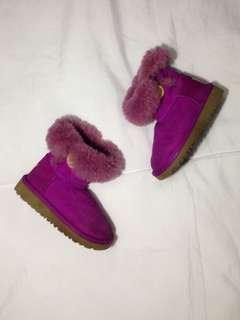 KIDS violet uggs