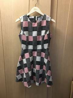 Refill baby pink checkered print dress 👶🏻