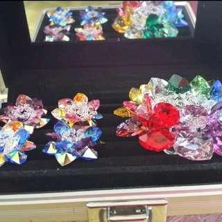 十色水晶蓮花加上4個小蓮花原價3000