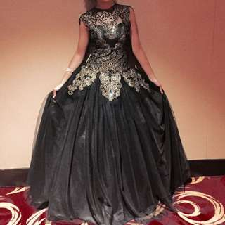 BLACK GOWN FOR RENT!!!