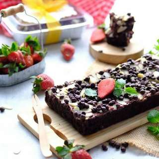 Brownies Almond Choc Chips
