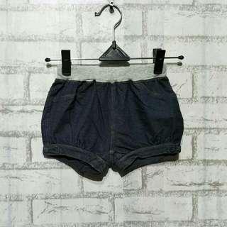 Jeans anak UNIQLO  2 - 3 tahun /100 LP 31cm Panjang 23cm  45ribu  Sapa cepat dia dapat😍
