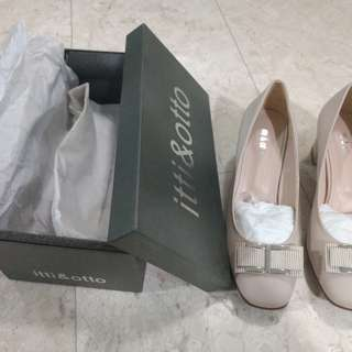 Itti Otto - ladies beige shoes (size 40) - brand new never worn