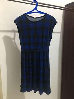 UNIQLO tartan blue dress