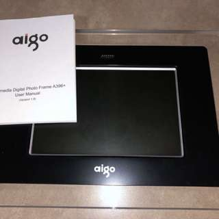 Aigo digital photo frame A396+