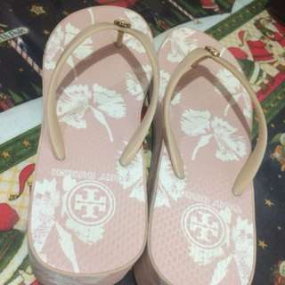 Authentic Tory Burch wedge Size 7 in light floral pink /excellent used condition/no issuesFOR SERIOUS BUYERS  ONLY!!! STAY OUT OF HERE JOY RESERVERS AND BOGUS BUYERS!! POPOST KO KAYO