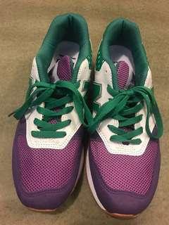 90% new sport shoe from Korea 90%新韓國製波鞋