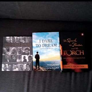 3 Bn Great  Inspirational Books Difference Makers Stories Of Those Who Dared / I Dared To Dream: Make Possible The Impossible Dr Low Lee Yong / The Spark The Flame And The Torch Lance Secretan