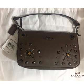 Coach 56524 手提包 塵袋 NOLITA WRISTLET 19 IN GLOVETANNED LEATHER WITH WESTERN RIVETS
