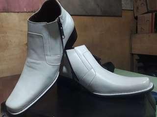 Sepatu pantopel