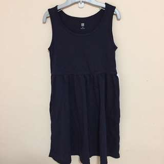 SALE 65% Off - BN Uniqlo girls navy dress size 120