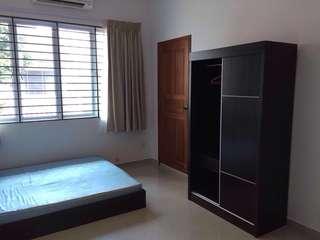 Master bedroom in terrace house near Novena MRT/Sq
