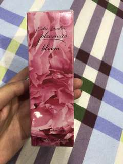Brand new Estée Lauder Eau de perfume spray 50ml