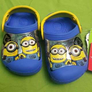 Crocs minions glow in the dark shoesp