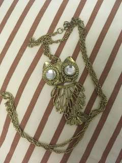 Statement gold owl pendant