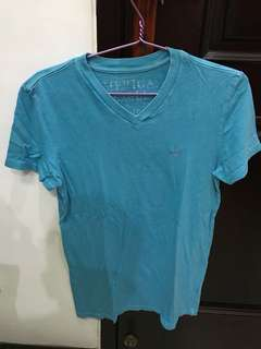 AE V-Neck T-Shirt - Size XS