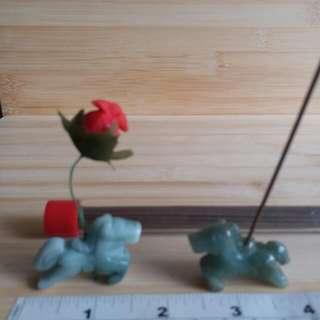 一對緬甸a玉约吋半 馬仔擺件亦可做 吊咀, 沉香座, 小花插座, 加送大約30支沉香枝