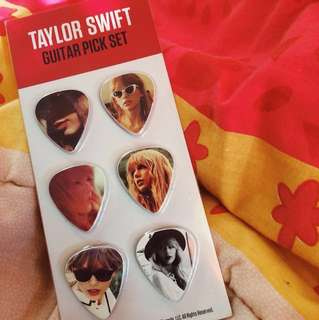 "Taylor Swift ""Red"" Guitar Pick Set"
