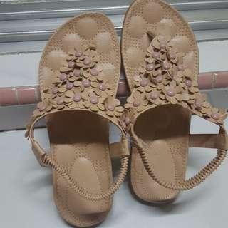 Sandals, size 5