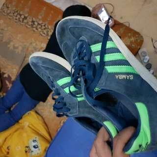 Adidas samba  ,uk40 harga 650 nego alus wa :085693034144