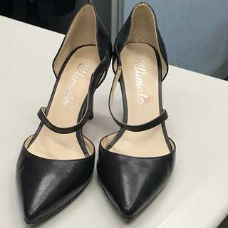 "Black leather 2 3/4"" high heels"