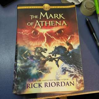 Mark of Athena - Rick Riordan 70% new