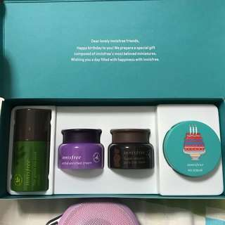 Innisfree powder, green tea serum ++