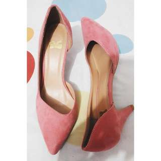 The Little Things She Need - Pink Heels
