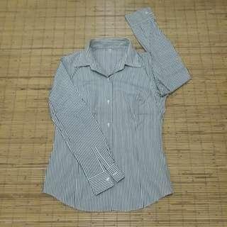 Uniqlo strips shirt long sleeves