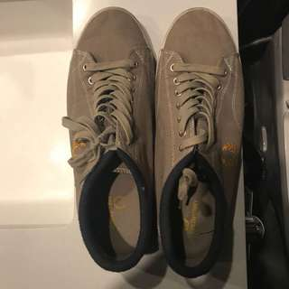 Fred Perry - Gray/Yellow Sneakers