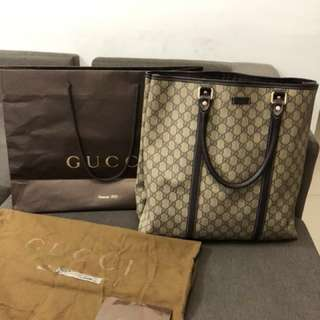 Gucci tote bag 💯 authentic in good condition