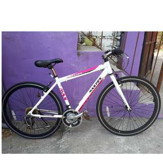 MAXTEX ALLOY ROADBIKE (FREE DELIVERY AND NEGOTIABLE!)
