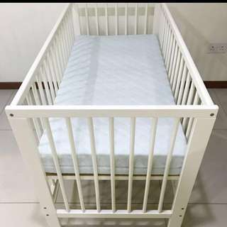 Full Baby Cot with mattress + cot bumper