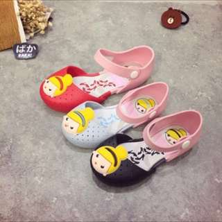 Girls blonde princess jelly shoes