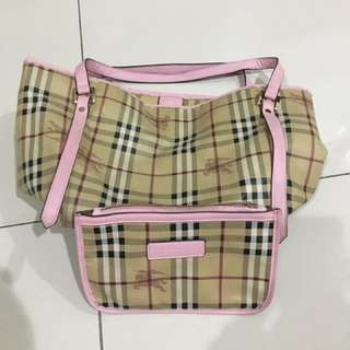 Authentic Burberry Handbag 👜